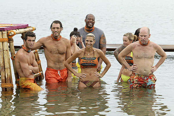 the-gota-tribe-during-the-fourth-episode-of-survivor-caramoan-fans-vs-favorites