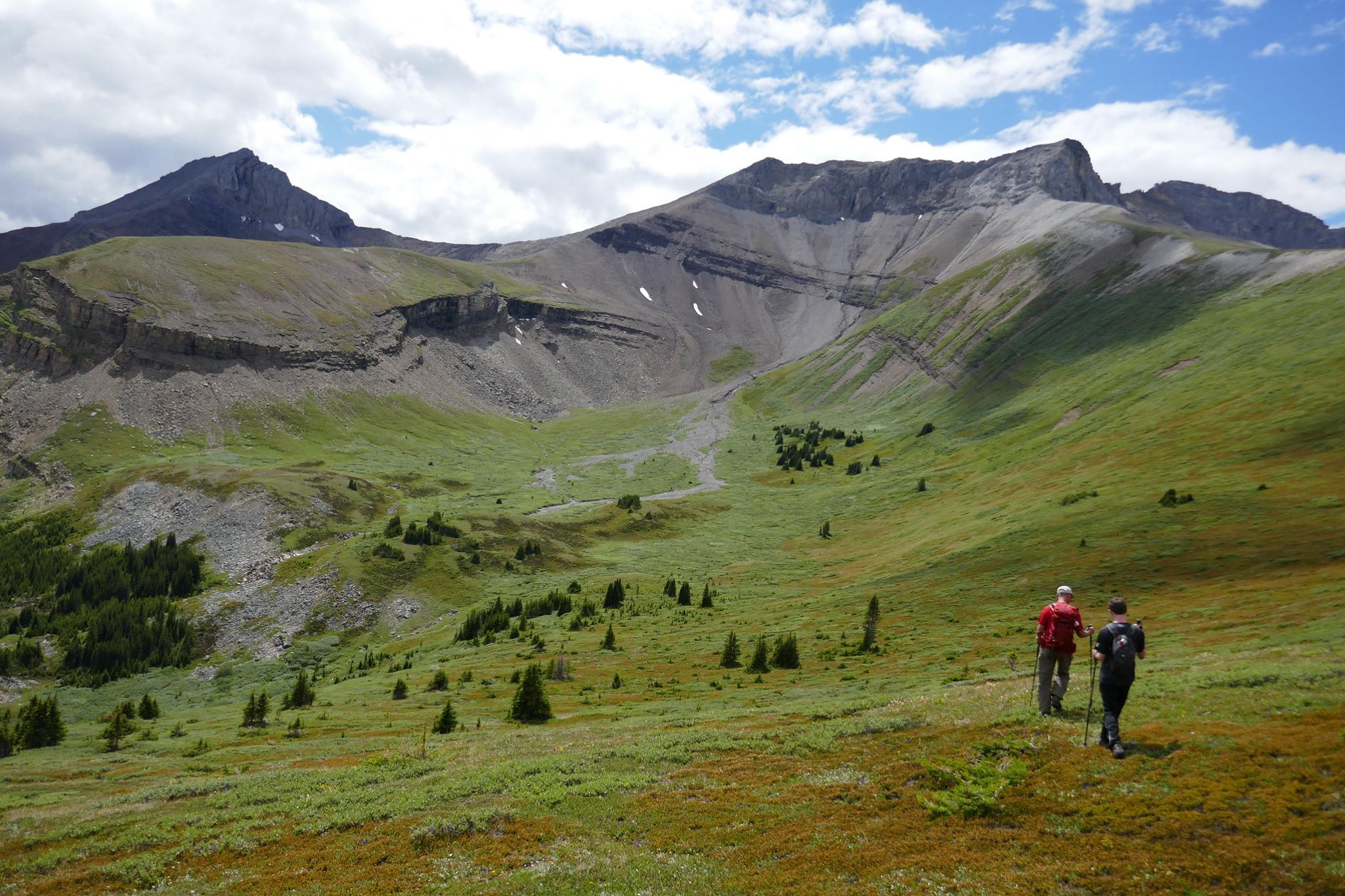 How to stay connected while exploring these 6 amazing Alberta adventures!