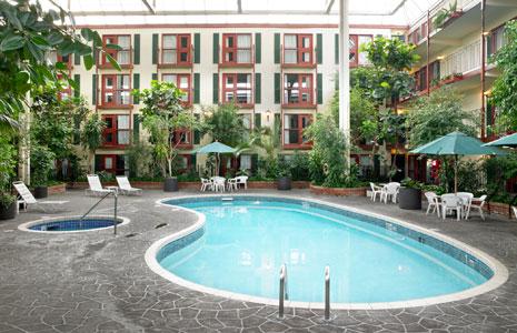 lethbridge-lodge-pool 2